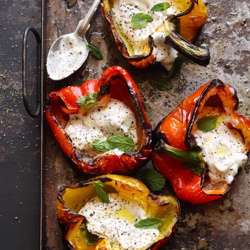 Paprika gegrillt mit Minzjoghurt