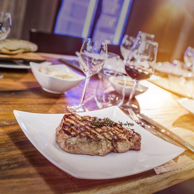 25.09.2021 Luxus Grillkurs & Gourmet-Menü inkl. Weinreise - ca. 5 h - Samstag -