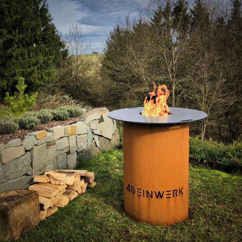 Grillfass Grilltonne Feuerplatte Ø 90cm Corten mit Plancha DEINWERK Feuertisch Feuerstelle